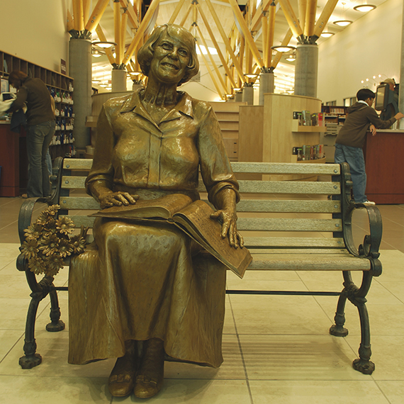 Lois Hole Statue, 2007-2008