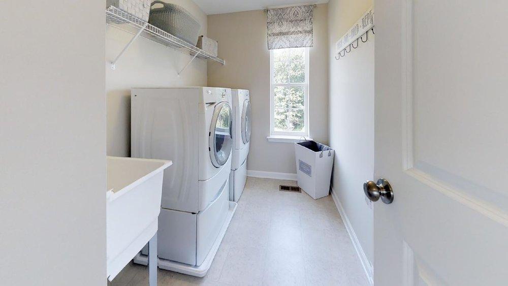 jfyCdv87TTE - Laundry.jpg