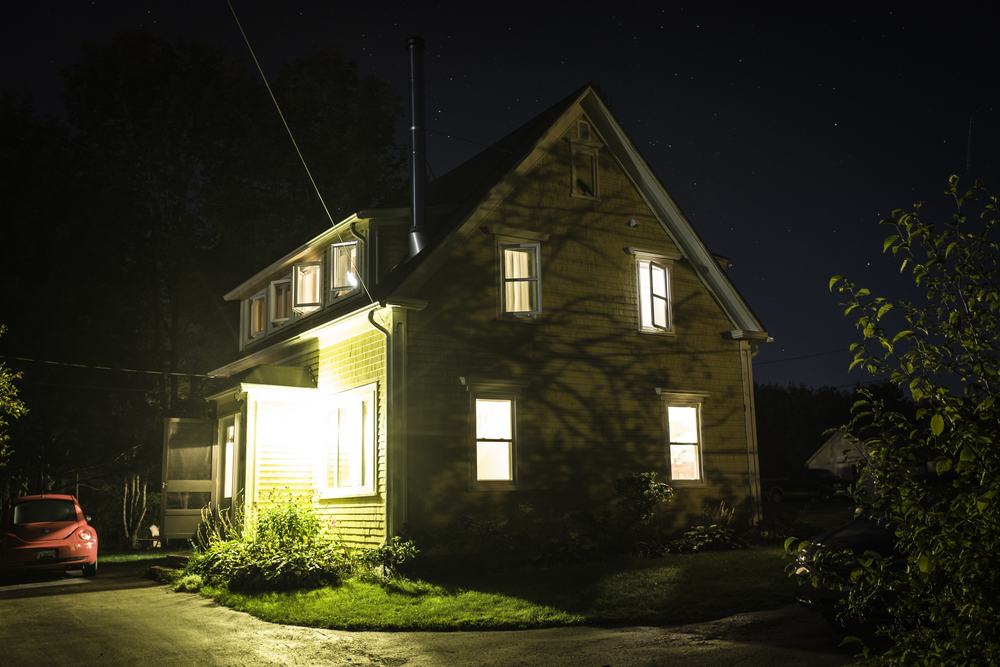 house by night.jpg