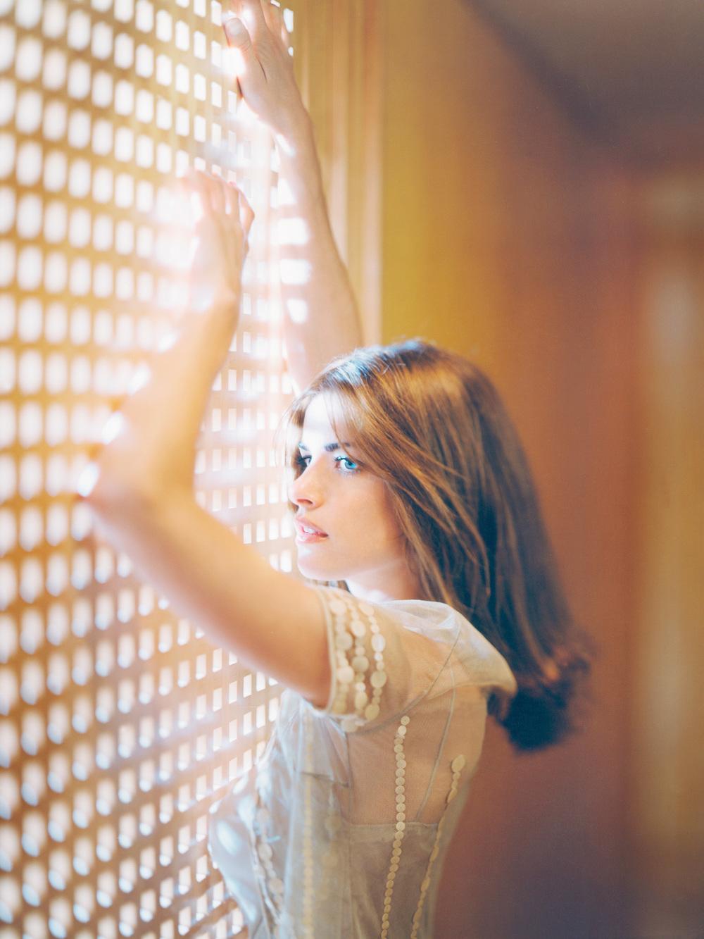 Amanda Peet photographed by Patrik Andersson
