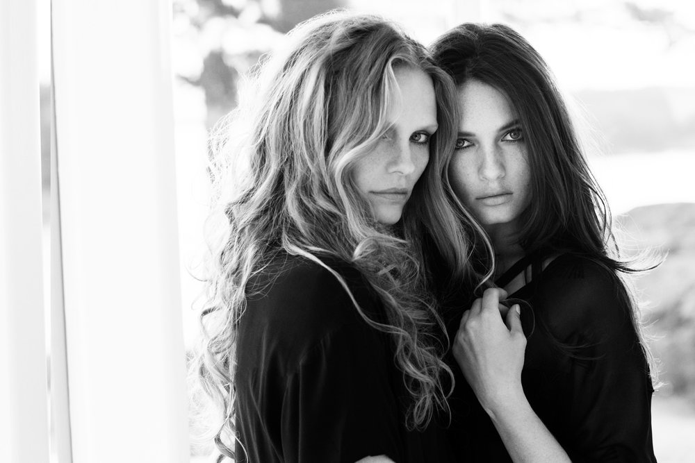 Duo Women 2 96 dpi.jpg