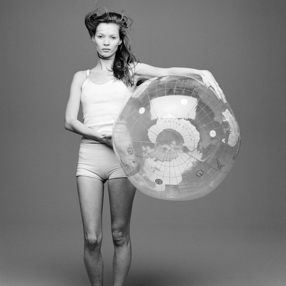 kate+moss+with+the+world+by+patrik+andersson-2.jpeg