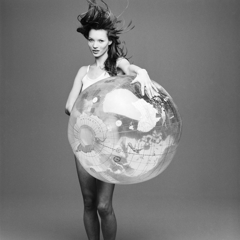 kate+moss+with+the+world+by+patrik+andersson-3.jpeg