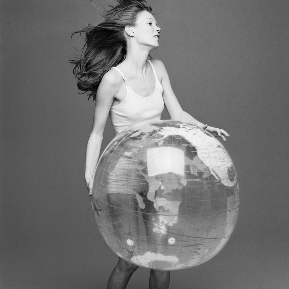 kate+moss+with+the+world+by+patrik+andersson-6.jpeg