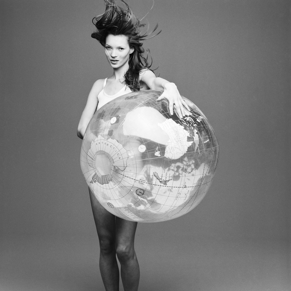 kate+moss+with+the+world+by+patrik+andersson-7.jpeg