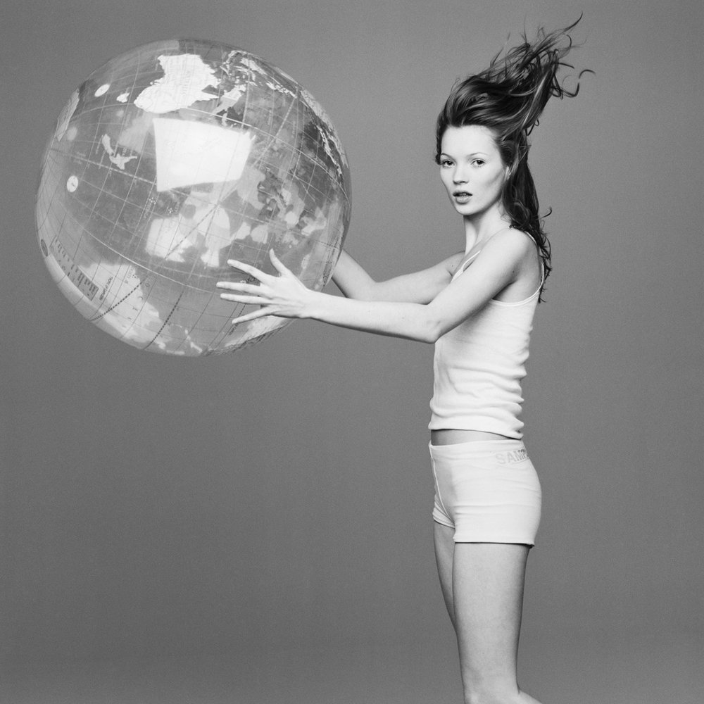 kate+moss+with+the+world+by+patrik+andersson.jpeg