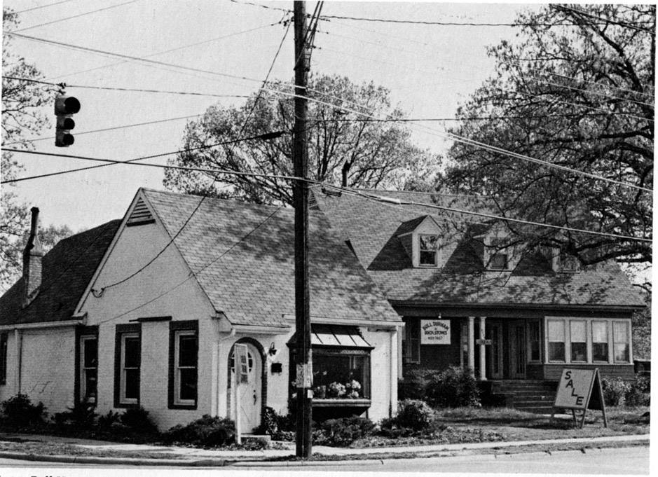 Photo of Roll's Florist taken in the 1970s