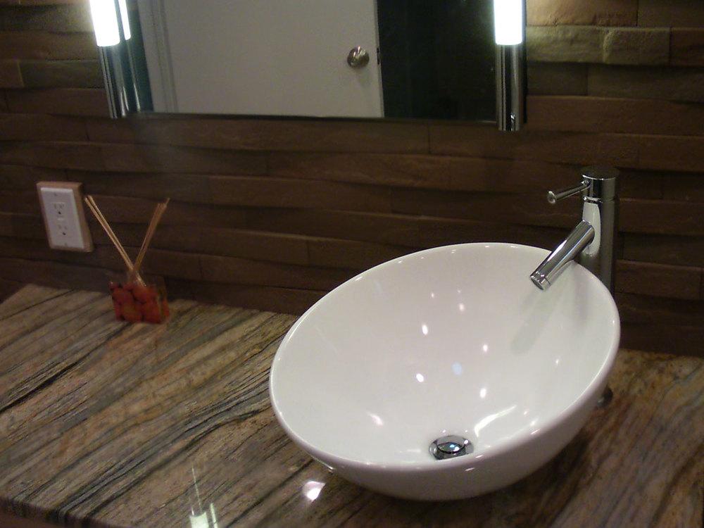 bathroom2_after3.jpg