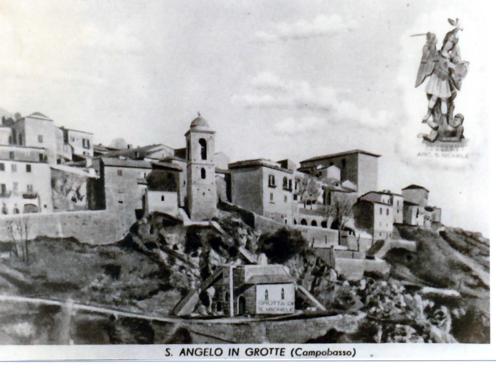 Sant'Angelo, Grotte.