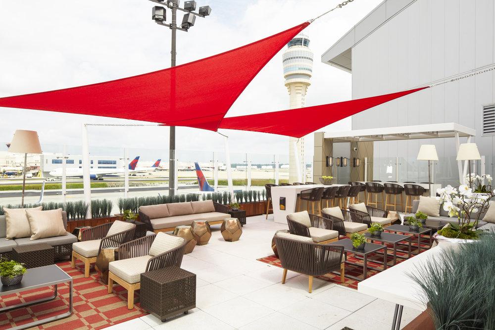 Delta Concourse F Sky Club - Sky Deck