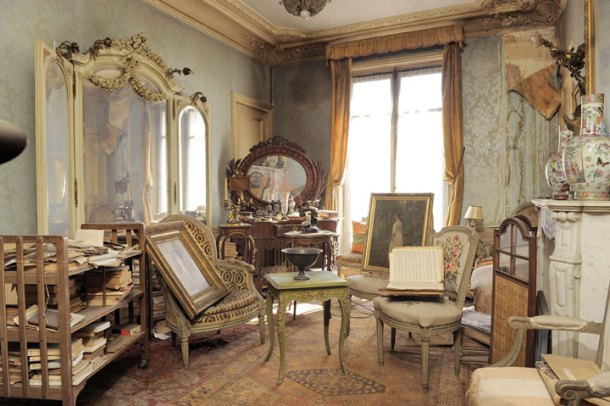 Remarkable-Untouched-1942-Apartment-Discovered-In-Paris-5.jpg