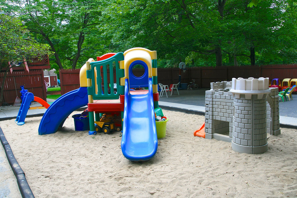wee-play-childrens-center-outside-01.jpg