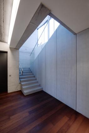 Loft Linz Treppe klein.jpg