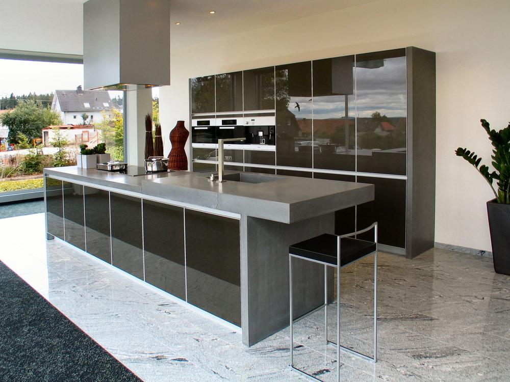 schwarze Küche 1.jpg