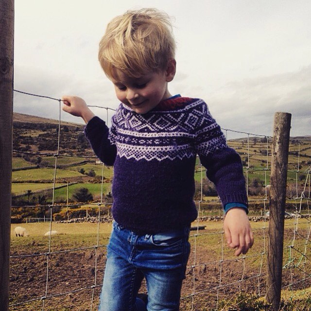 HAPPY EASTER. 🐣💛🌼🇳🇴🇨🇮 Magnus in Marius #mariusgenser #wool #handknit #norwegian #scandinavia #kidnordic #nordicdesign