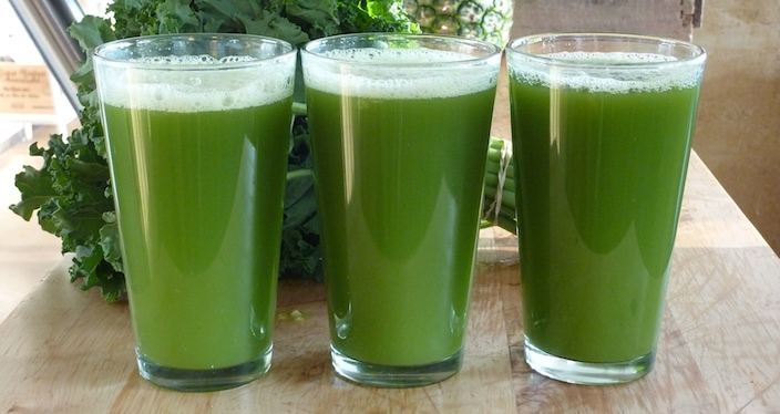 Green is our favourite colored juice, as it has the quickest purifying effect on the body and mind