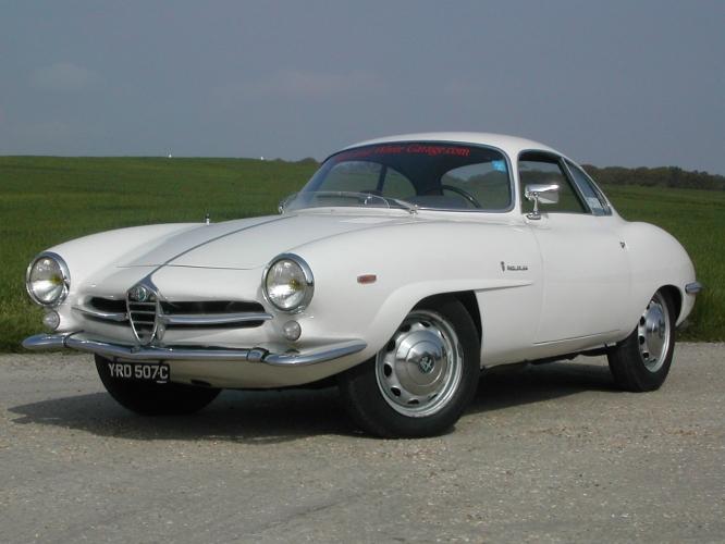 Black and white garage 1965 alfa romeo giulia 1600 for Garage alfa romeo villeneuve d ascq