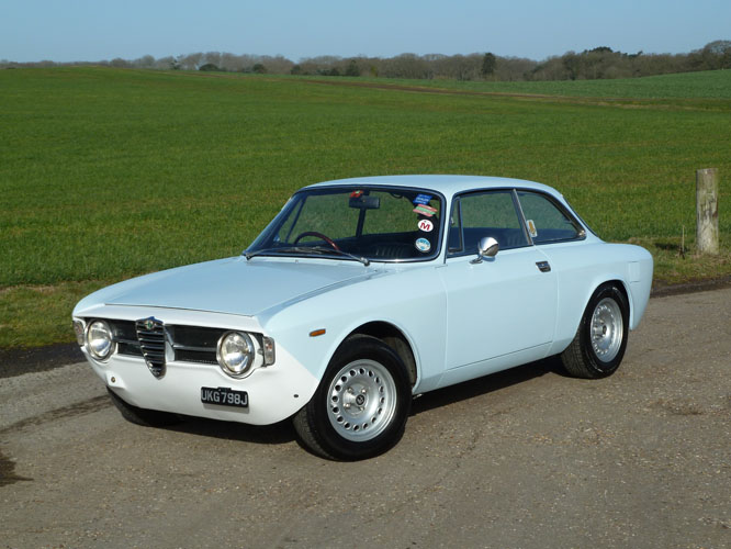 Black and White Garage - 1970 Alfa Romeo GT Junior RHD