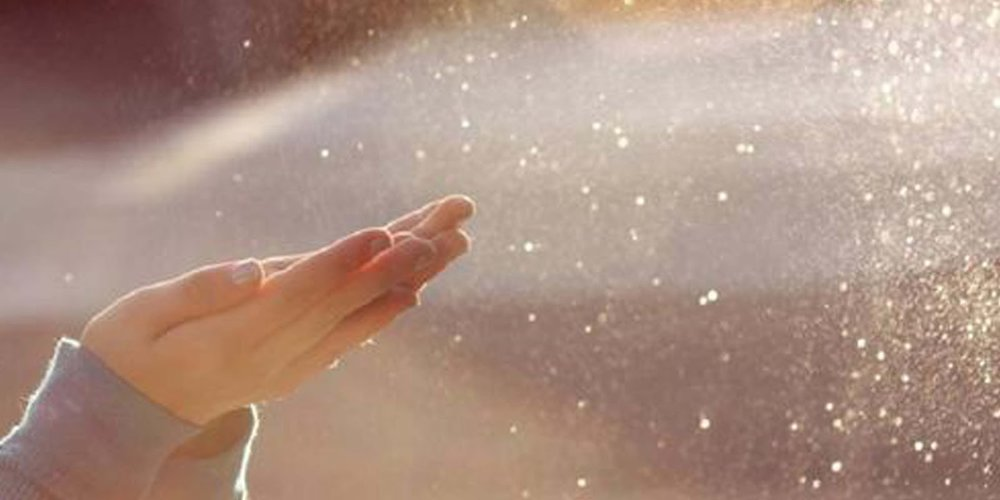 dust-hands.jpg