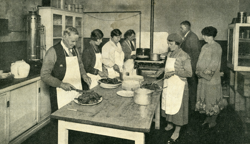 Kitchen helpers 1932