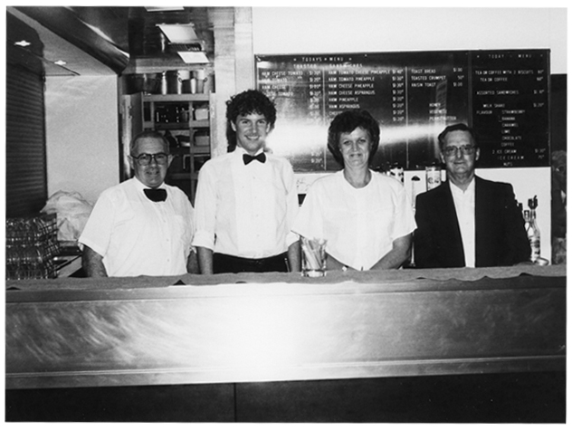 Stanmore Deaf Recreation Club – Bar volunteers in 1982