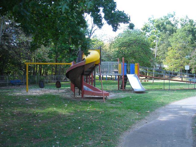 Larch-Miller Park - Shawnee OK (56).JPG