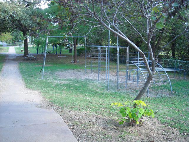 Larch-Miller Park - Shawnee OK (64).JPG
