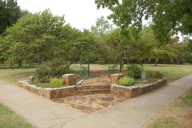 Rose Garden Park - Shawnee OK (2).JPG