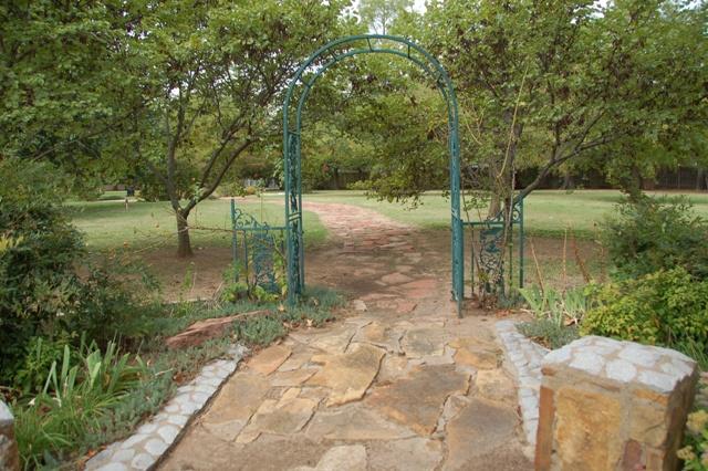 Rose Garden Park - Shawnee OK (5).JPG