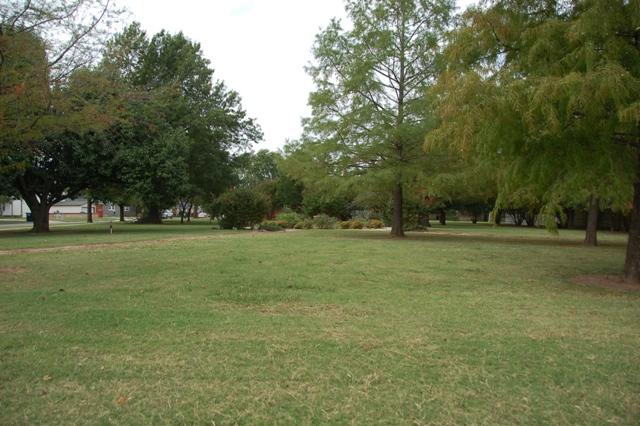 Rose Garden Park - Shawnee OK (6).JPG
