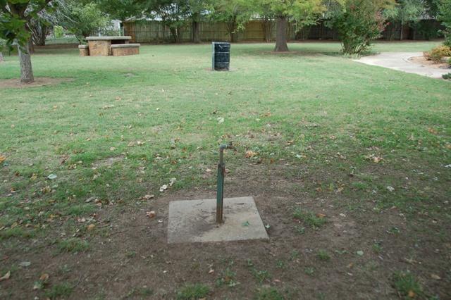 Rose Garden Park - Shawnee OK (41).JPG