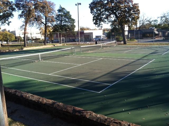 Woodland Park - Shawnee OK Tennis courts.JPG