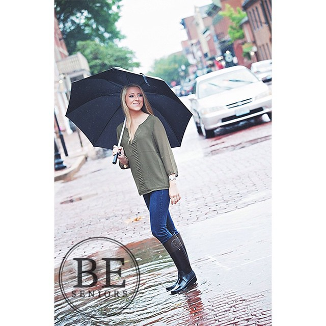 Paige! Not even the rain could put a damper on this pretty lady! So beautiful! #sneakpeak #beseniors #blisselevenstudio #BeBoldBeUniqueBeYou #highschoolsenior #2015senior #stlouissenior #seniorphotography #instasenior