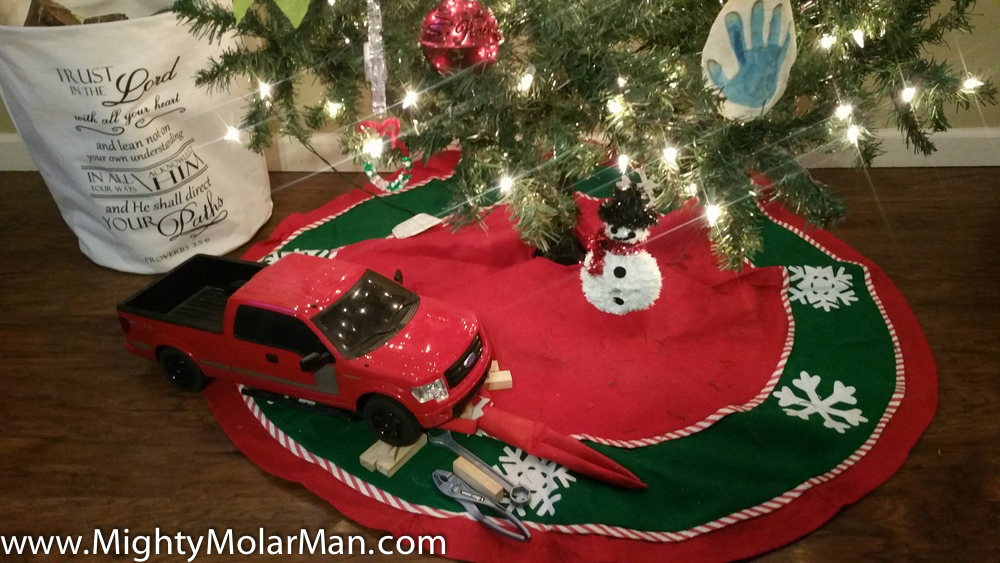 Elf On The Shelf Photo Contest-16.jpg