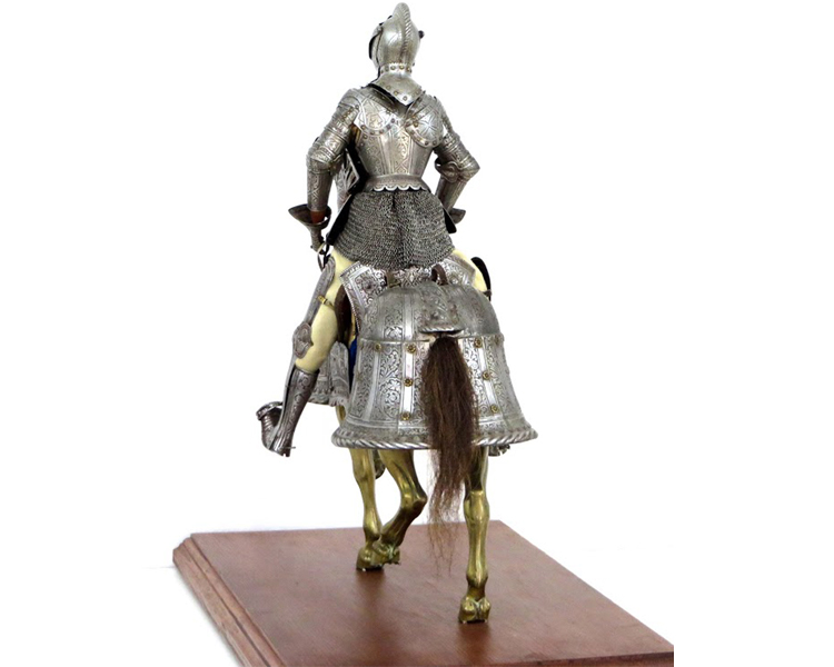 An-Important-Miniature-Armor-for-Man-and-Horse-by-E.-Granger,-Paris-Friedland_arms_armor_knight_-horse_renaissance_-chanfron-3.jpg