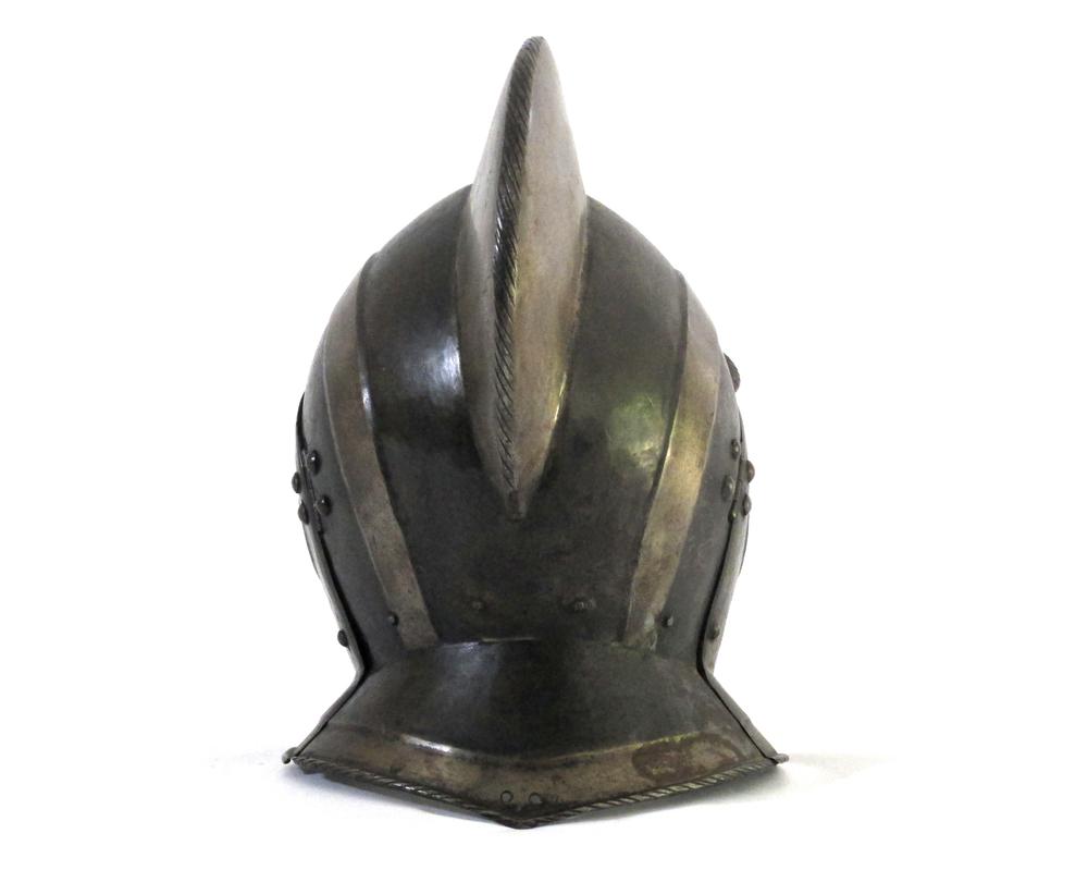 german-black-white-burgonet-helmet-16th-century-gary-friedland-arms-armor2.jpg