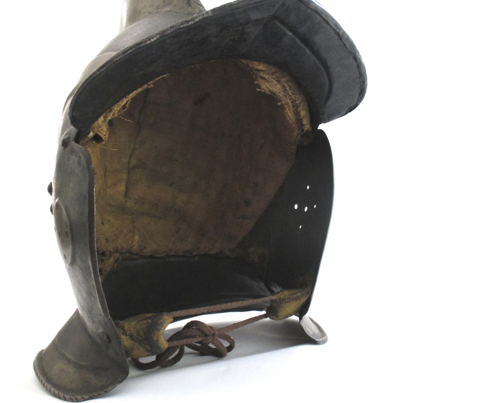 german-black-white-burgonet-helmet-16th-century-gary-friedland-arms-armor7.jpg