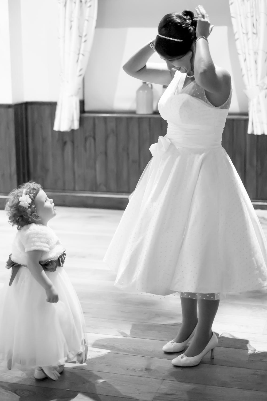 Looking up to mum. Black Horse Inn. Wedding photographer, Kent.