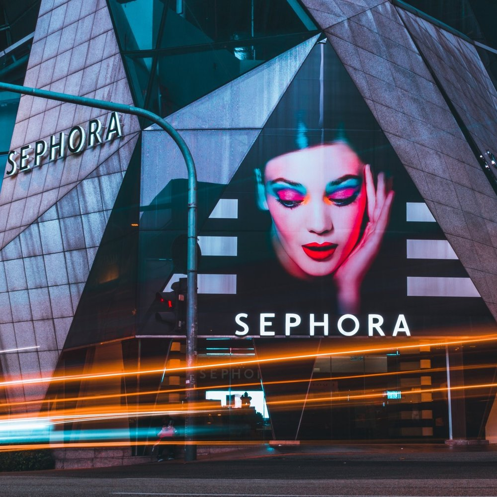 SEPHORA Worked as a Senior User Experience Designer, was responsible for multi-channel digital products of Sephora, created solutions for both in-store and app