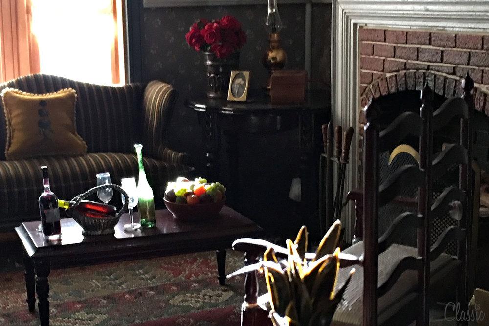 CHIARIstyle dollshouse living room ininature