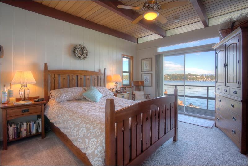 Master bedroom...