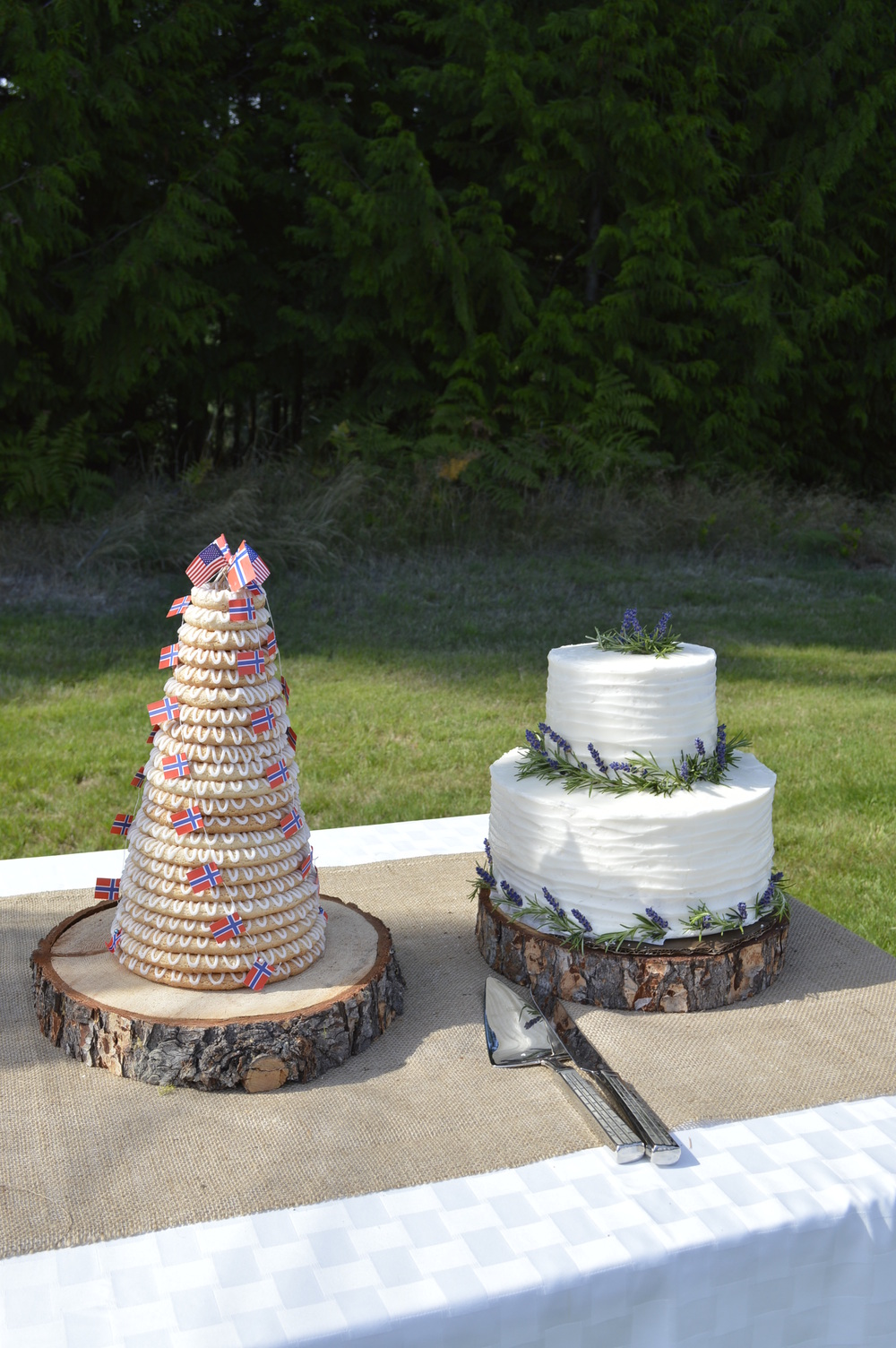 The krunsekake and wedding cake...