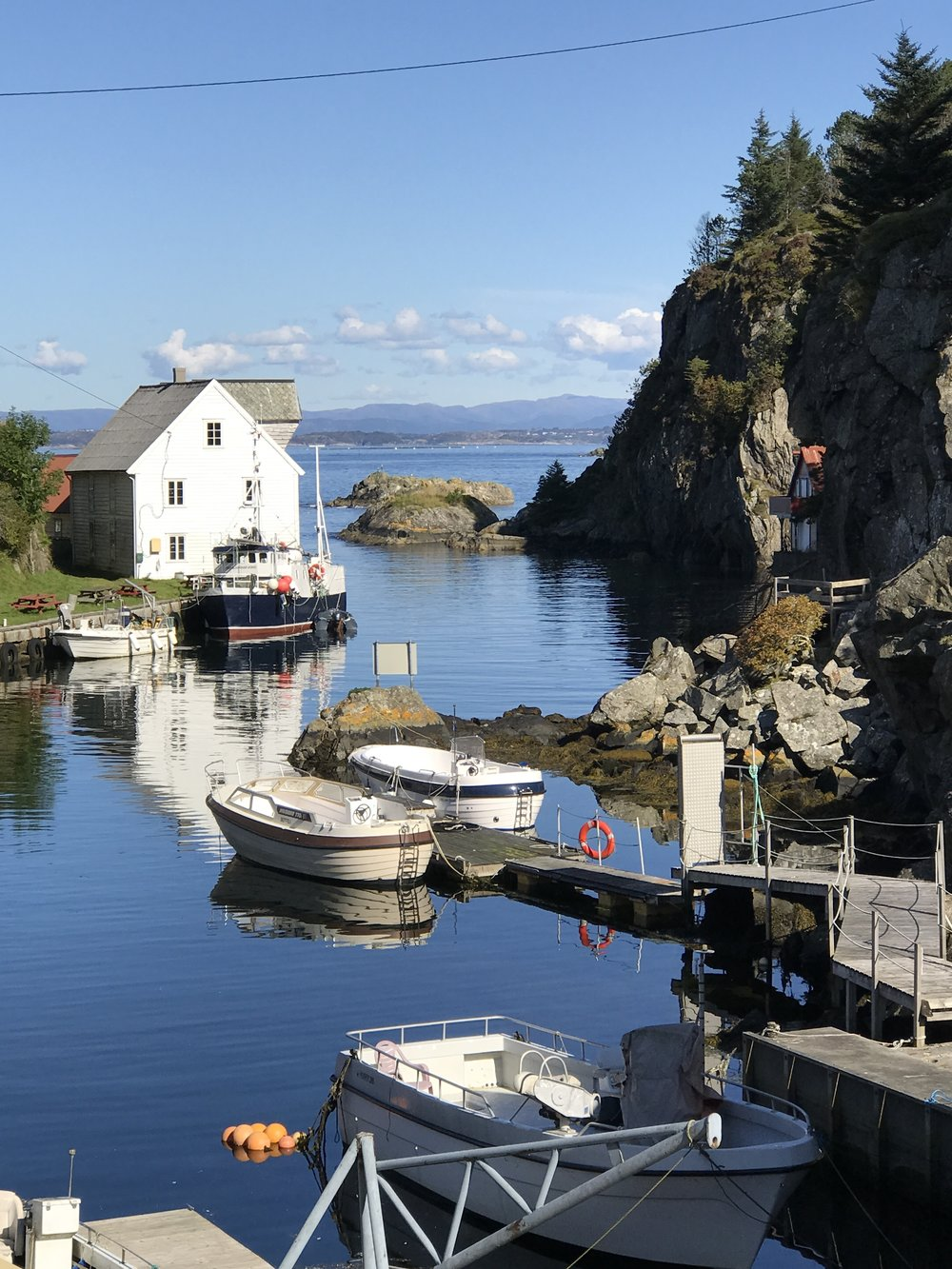 A beautiful harbor on Stolmen Island...