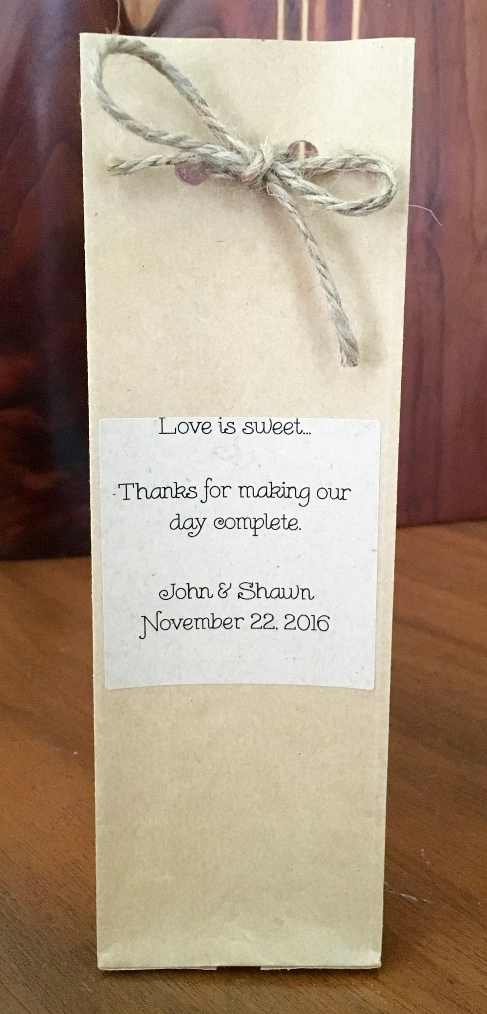 Caramels in sack wedding favor