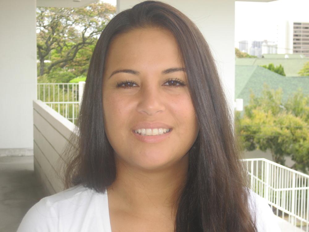 Melanie Legdesog.JPG