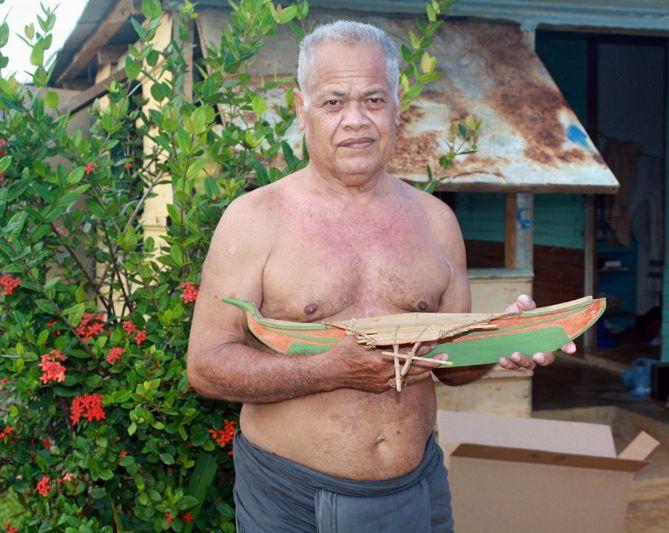 Model Canoe Photo 1.jpg