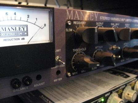 manley_variable_mu_sterio_tube_compressor.jpg