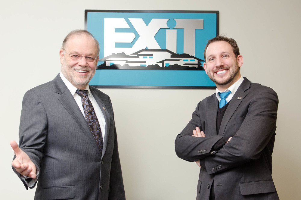 Exit Realty Corporate Stock Shoot-0042.jpg