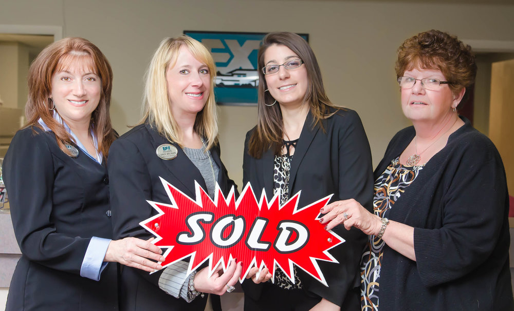 Exit+Realty+Corporate+Stock+Shoot-0041.jpg