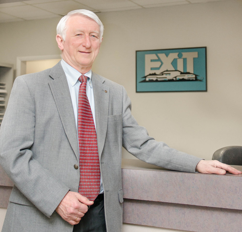 Exit+Realty+Corporate+Stock+Shoot-0038.jpg